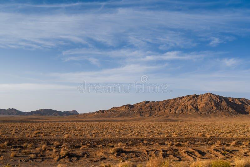 Paysage de désert et de montagne de roche en Iran images stock