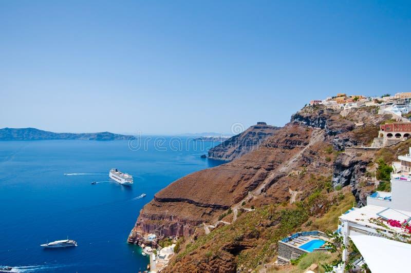 Paysage de Fira et horizon au bord de caldeira Thira (Santorini), Grèce photos libres de droits