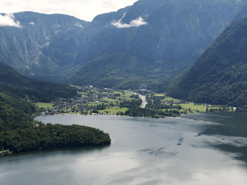 Paysage de Hallstatt, Salzbourg Lac mountain, massif alpin, beau canyon en Autriche photo stock
