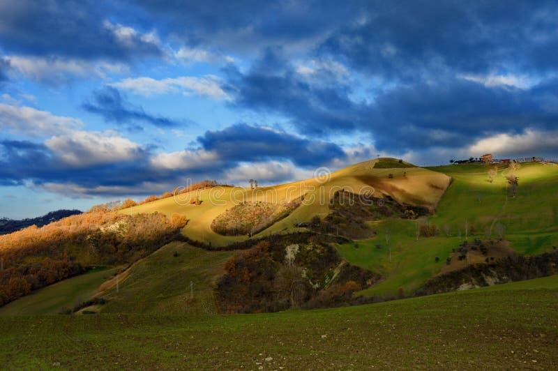 Paysage de Hillside typique de l'Italie centrale photos stock