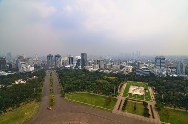 Paysage de Jakarta de place de Merdeka, Indonésie images libres de droits