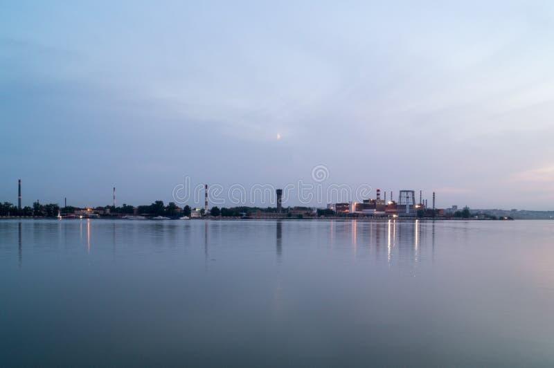Paysage de l'étang de soirée photographie stock libre de droits
