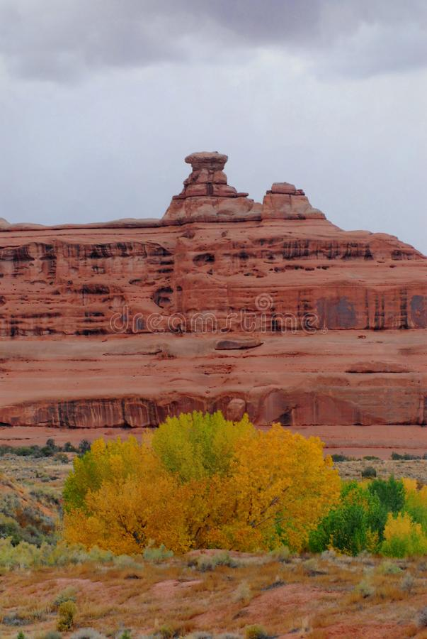 Paysage de l'Utah de parc national de voûtes en automne photos libres de droits