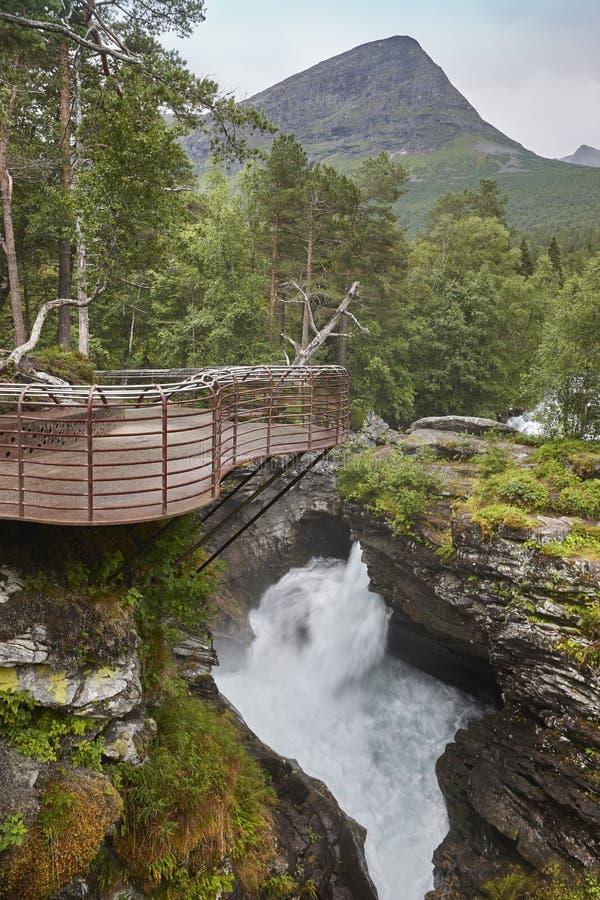 Paysage de la Norvège avec le point de vue et la rivière Gudbrandsjuvet, Valld photo stock