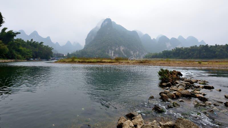 Paysage de la rivière Lijiang en hiver images libres de droits