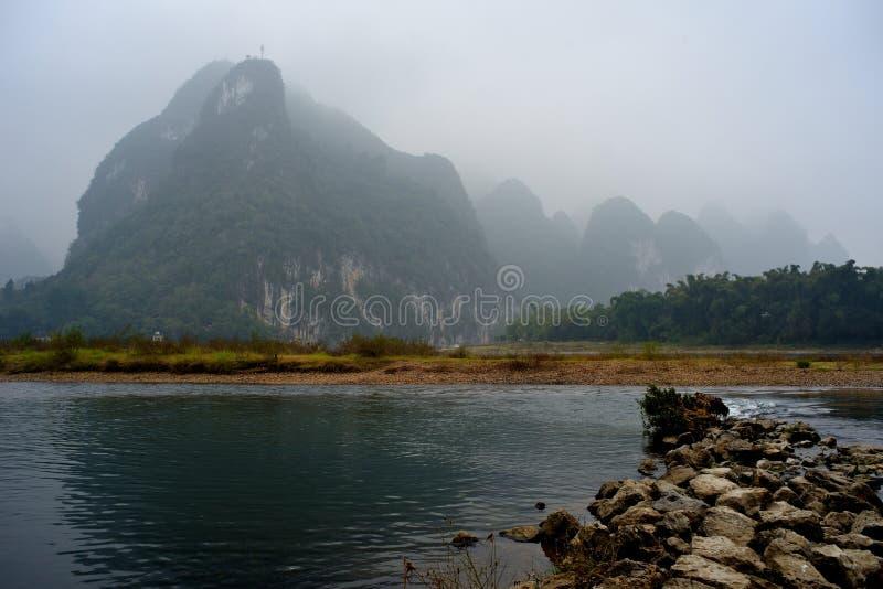 Paysage de la rivière Lijiang en hiver photos stock