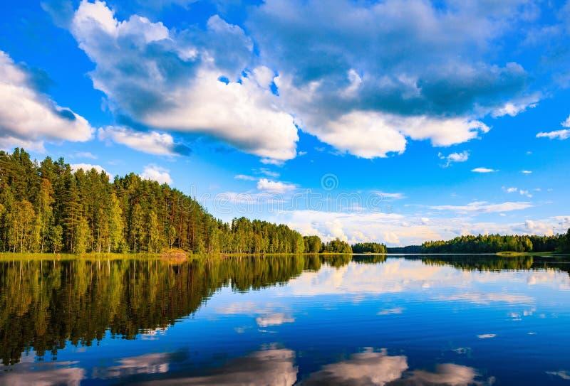 paysage de lac en t en finlande photo stock image du outdoors europe 84678688. Black Bedroom Furniture Sets. Home Design Ideas