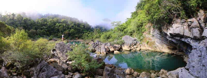 Paysage de lac Nuoc Mooc, romantique et paisible photos stock