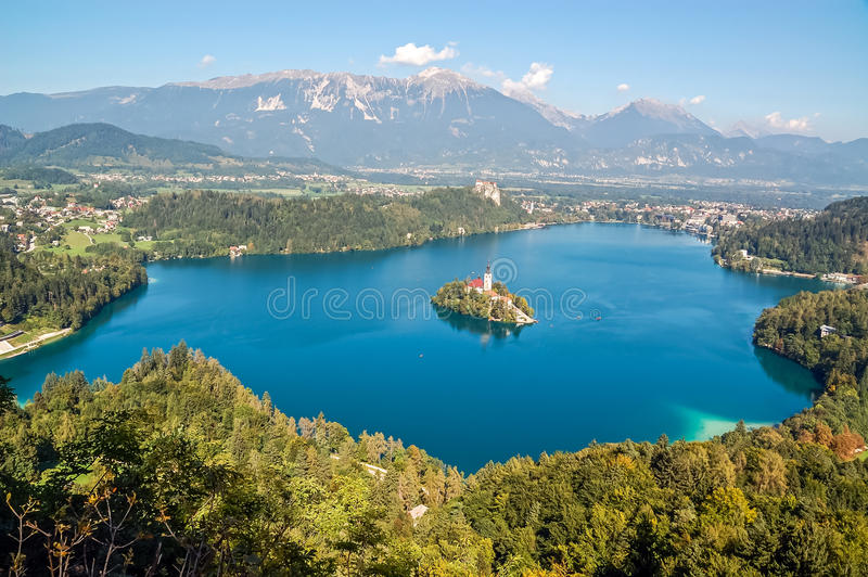 Paysage de lac saigné photo libre de droits