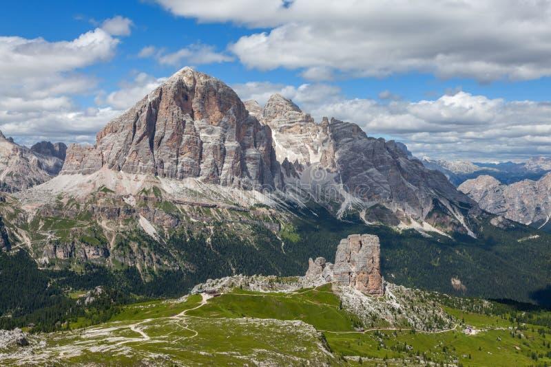 Paysage de montagne d'été - dolomites, Italie images libres de droits