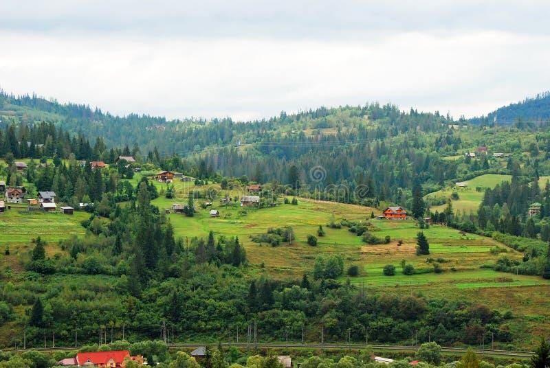Paysage de montagne dans carpathien photo libre de droits