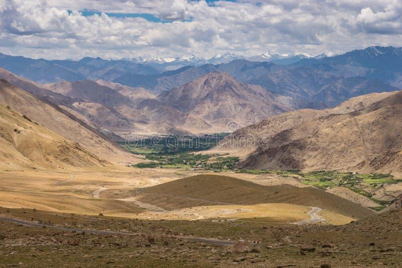 Paysage de montagne de l'Himalaya dans Leh, Ladakh, Inde images stock