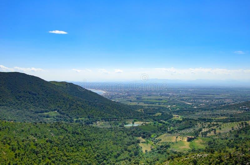 Paysage de montagne des roses, Catalogne, Espagne photographie stock libre de droits
