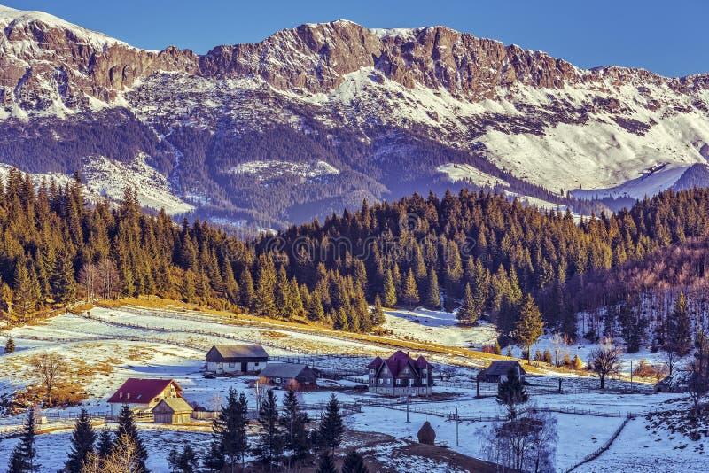 Paysage de montagnes de Bucegi, Roumanie photos libres de droits