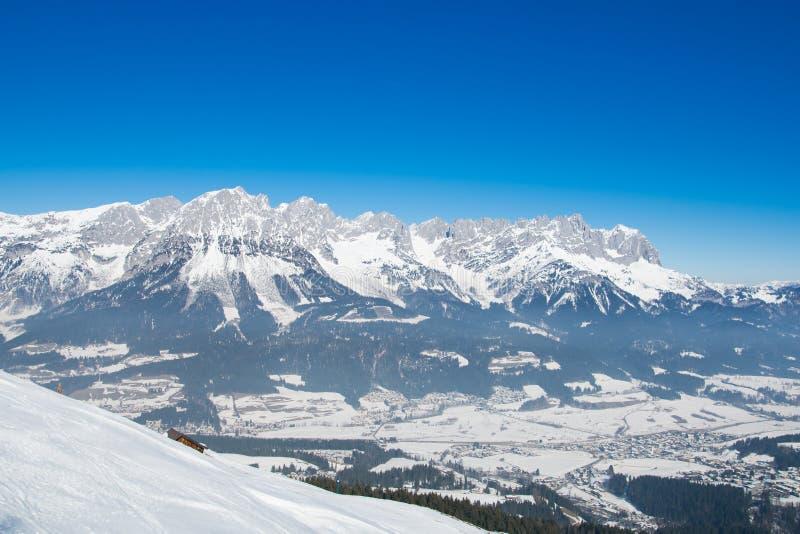 Paysage de neige d'hiver d'Alpes dans le Tirol photos libres de droits