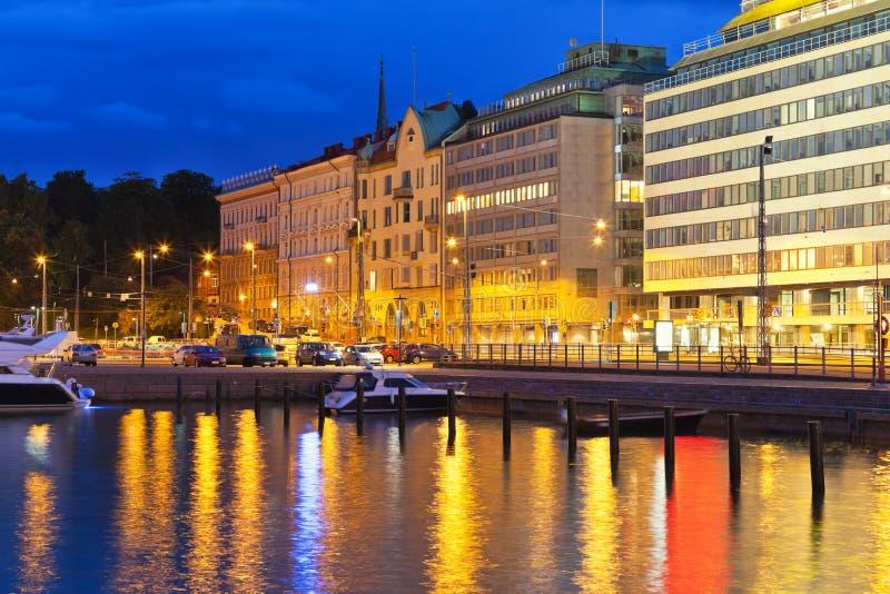 Paysage de nuit de Helsinki, Finlande images libres de droits