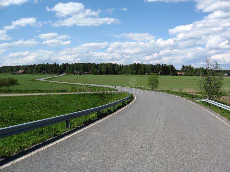 Download Paysage de pays image stock. Image du vert, foin, ciel - 4350515
