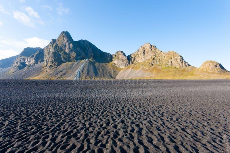 Paysage de plage de lave de Hvalnes, point de rep?re est de l'Islande photographie stock libre de droits