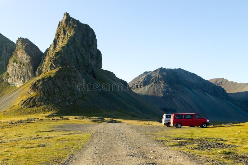 Paysage de plage de lave de Hvalnes, point de rep?re est de l'Islande image stock