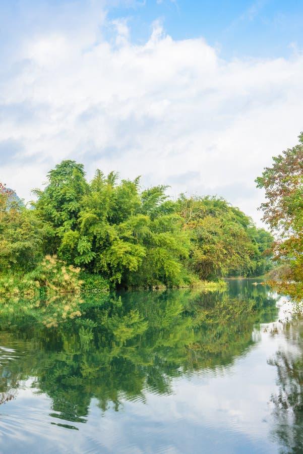 Paysage de rivière de Beautifu Yulong photos libres de droits