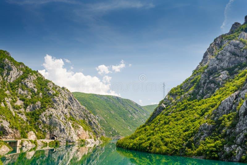 Paysage de rivière de la Bosnie-Herzégovine Neretva photo libre de droits