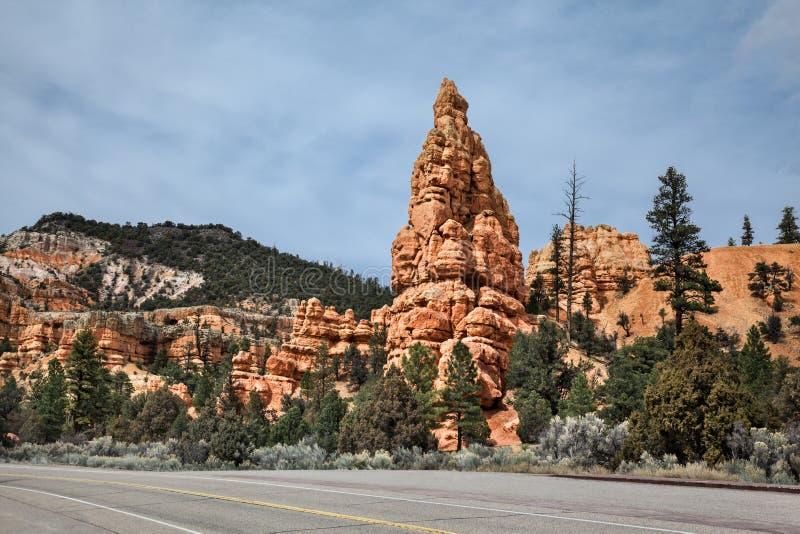 Paysage de roche de grès le long d'une route d'entraînement image stock