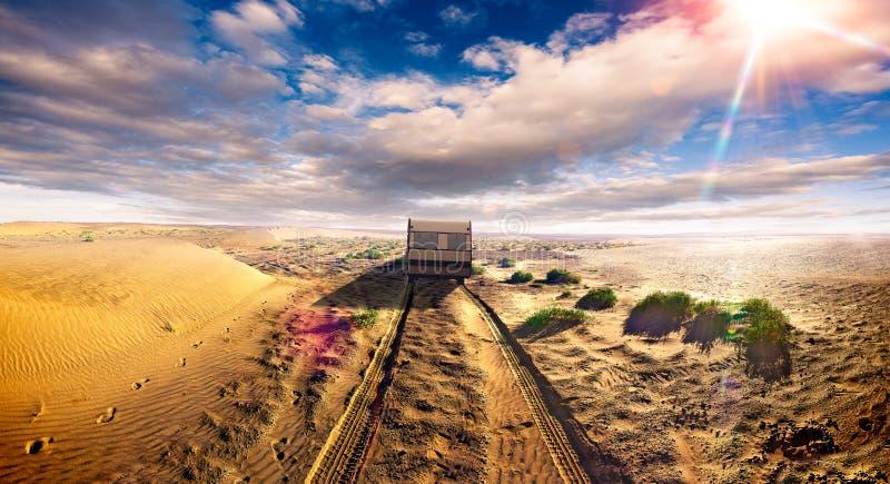 Paysage de route de mode de vie de caravane et de paysage de désert photos libres de droits