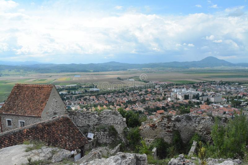 Paysage de Rushnov - une ville roumaine images libres de droits