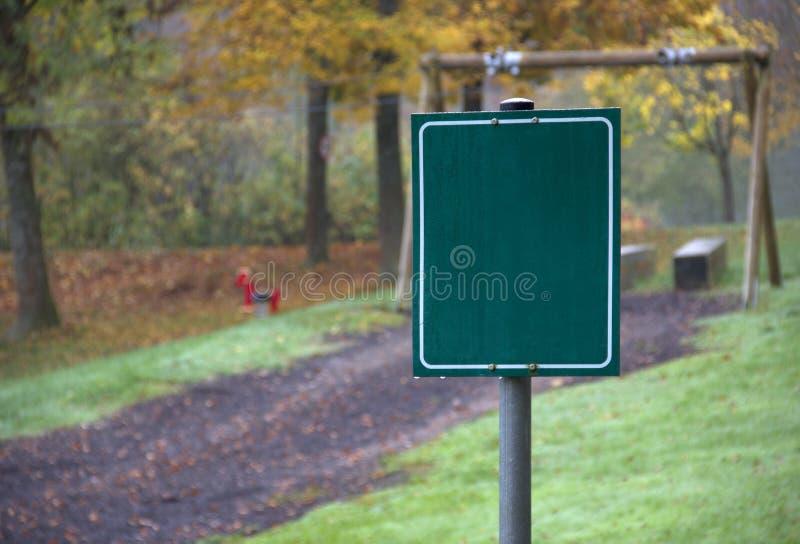 Paysage de terrain de jeu d'automne images stock