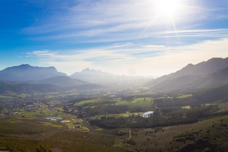 Paysage de vignoble de Franschhoek, panorama de l'Afrique du Sud image stock