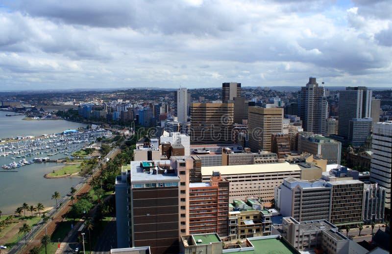 Paysage de ville et de port photographie stock