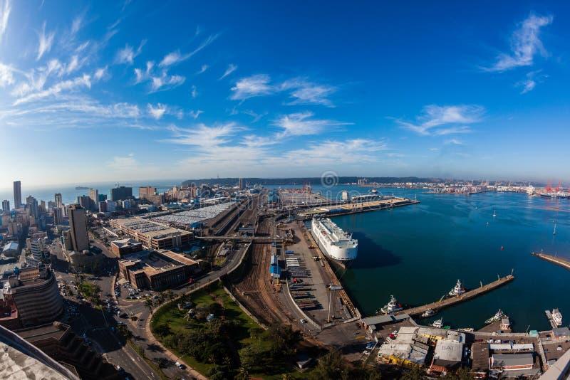 Paysage de ville portuaire de port de durban image for Paysage de ville