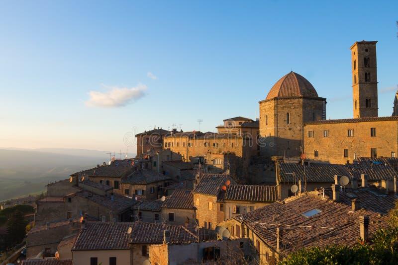 Paysage de ville de Volterra, Toscane, Italie photographie stock libre de droits
