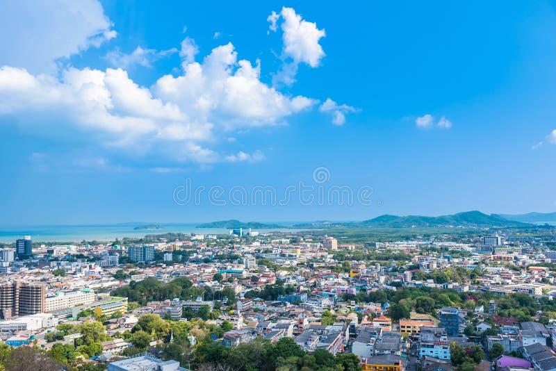 Paysage de vue panoramique et paysage urbain de ville de Phuket ? la colline Rang ? Phuket, Tha?lande image libre de droits