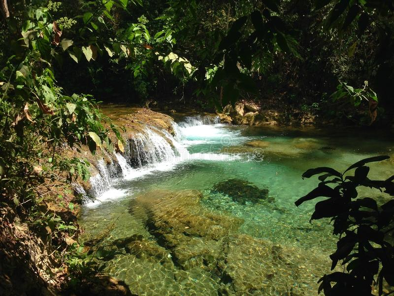 paysage des cascades dans Huatulco photo stock