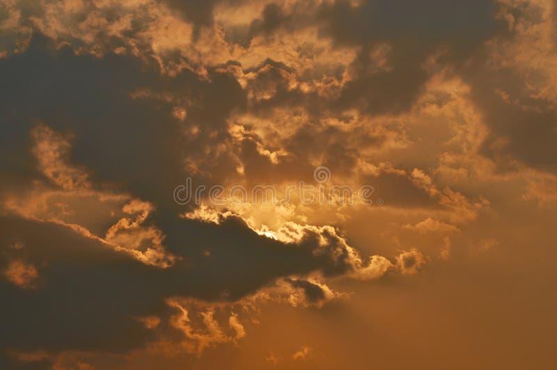 Paysage des nuages et coucher du soleil photo stock