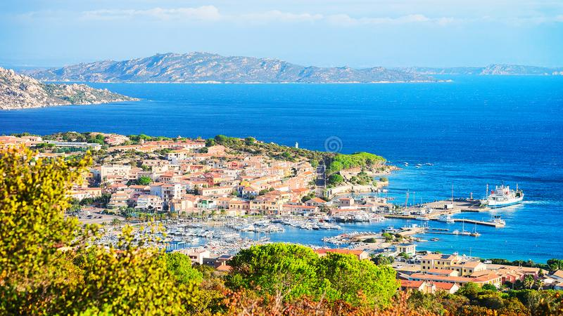 Paysage des Palaos Maddalena Island en Sardaigne images libres de droits