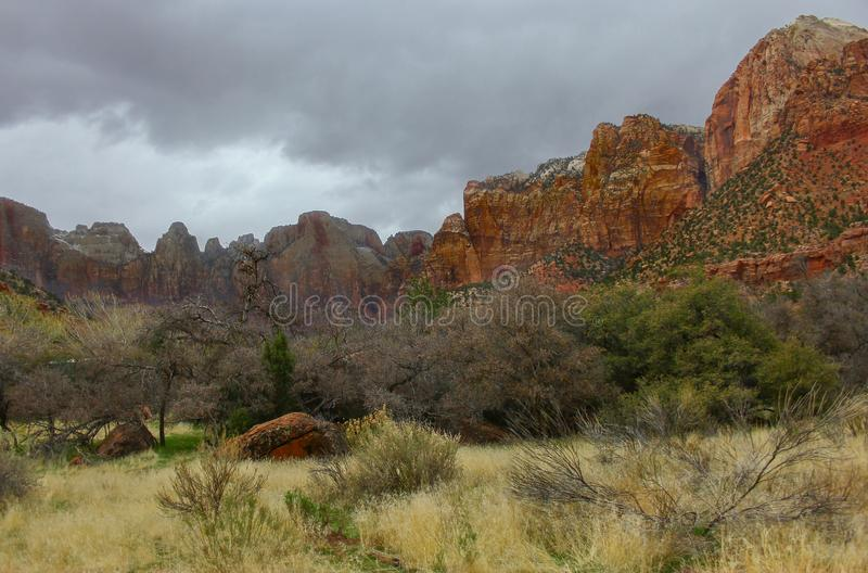 Paysage et montagnes rouges chez Zion National Park-Utah photo stock