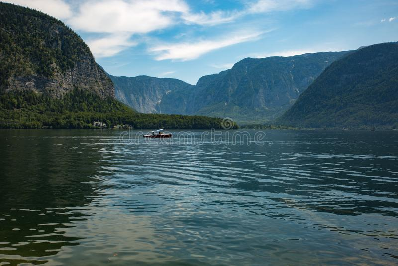 Paysage Hallstadt Autriche Forrest de lac images libres de droits