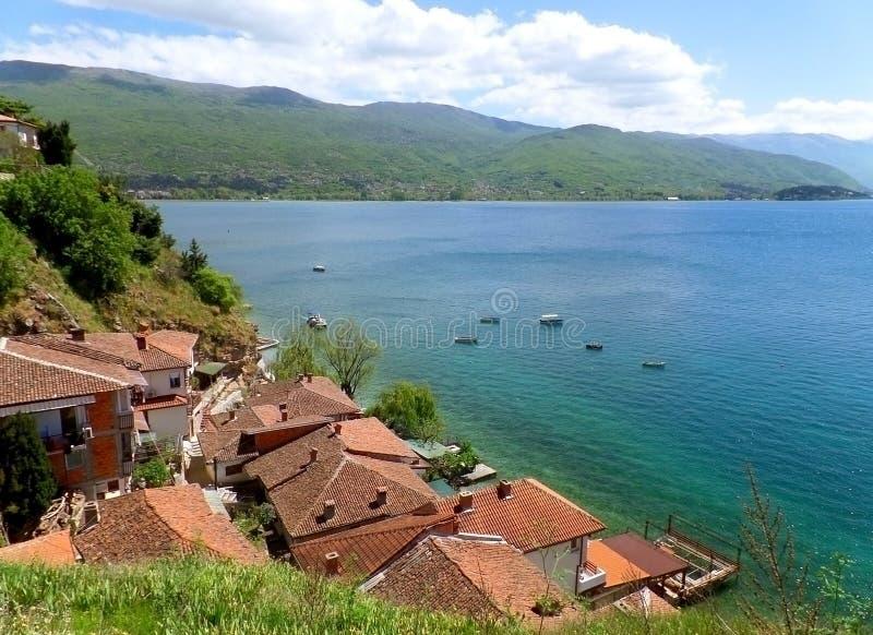 Paysage impressionnant de bord de mer d'Ohrid de lac photographie stock libre de droits