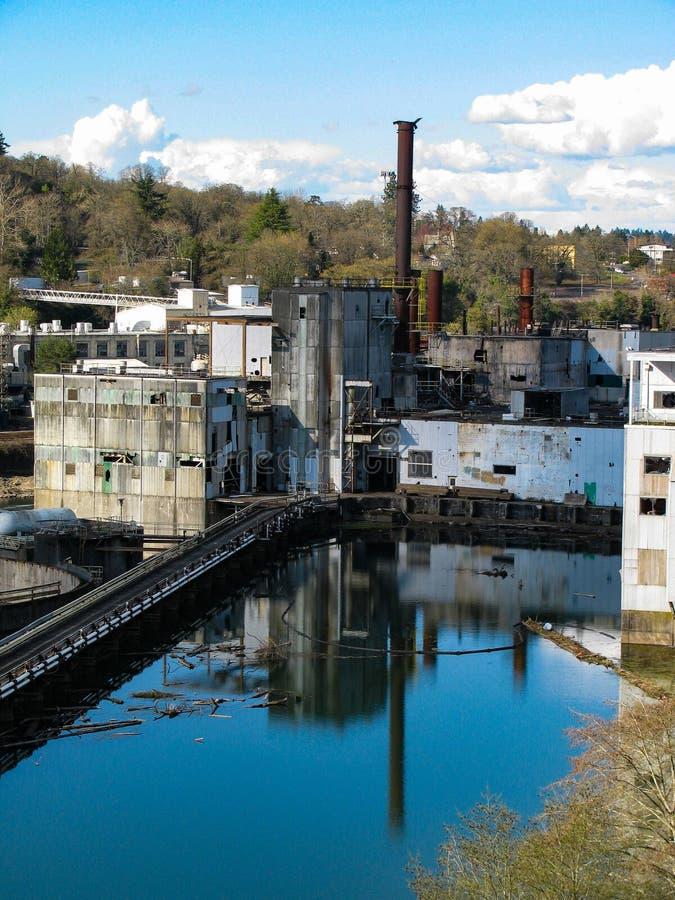 Paysage industriel de rivi?re historique de Willamette photo stock