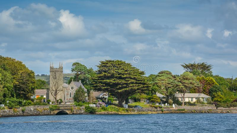 Paysage irlandais renversant le long de la rivière de Durrus, Bantry, liège du comté, Irlande photo stock