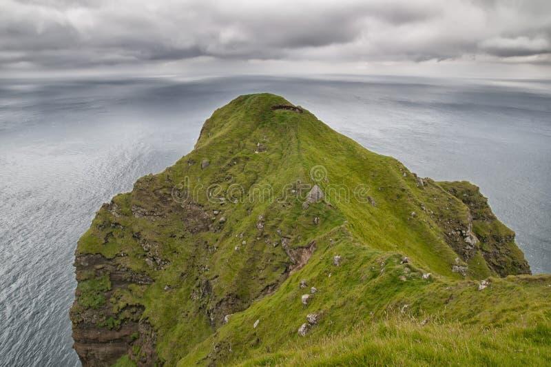 Paysage lointain de falaises d'Oer photos libres de droits
