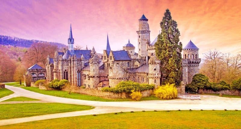 Paysage magique avec le château médiéval de lion ou Lowenburg dans Wilh image stock