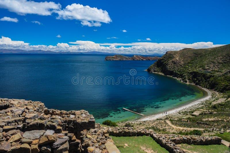 Paysage magnifique d'Isla del Sol, Bolivie photos stock