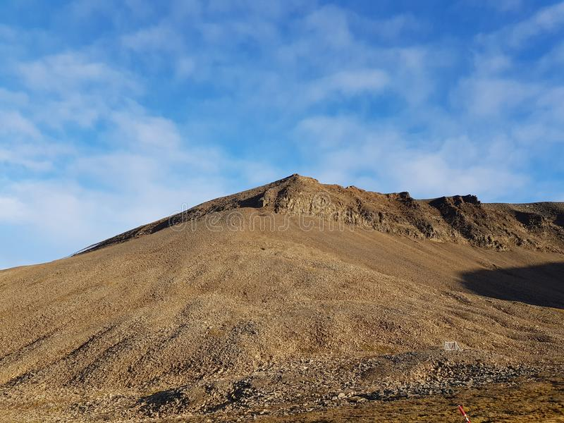 Paysage majestueux et rêveur de montagne sur le Svalbard images stock