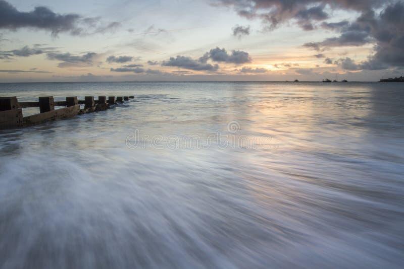 Paysage marin dans la baie de Swanage, Purbeck, Dorset image stock