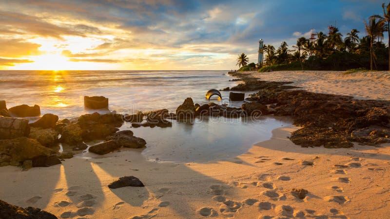 Paysage marin de coucher du soleil de phare de point de coiffeurs photographie stock libre de droits