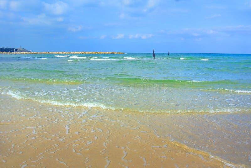 Paysage marin La mer Méditerranée La plage de Tel Aviv l'israel images stock