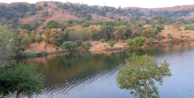 Paysage naturel dans la forêt, l'eau arrière de mahi, banswara, Ràjasthàn, Inde photographie stock libre de droits